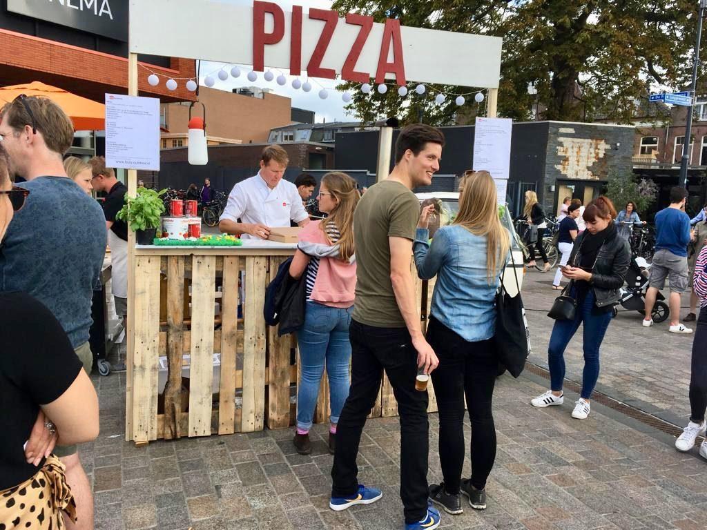 Bula Outdoor Gooisch Bier Festival 2019. In de rij voor een pizza!